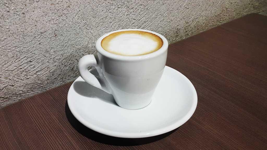 how to drink espresso macchiato